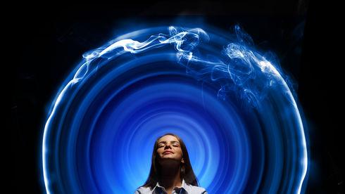 5 greșeli prin care atragi energia negativă în viața ta