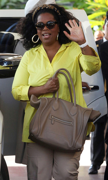 Talk-show-host-Oprah-Winfrey-celine-smooth-leather-mini-bag-in-taupe-camel-1