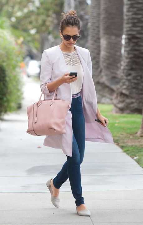 jessica-alba-pink-louis-vuitton-bag-h724