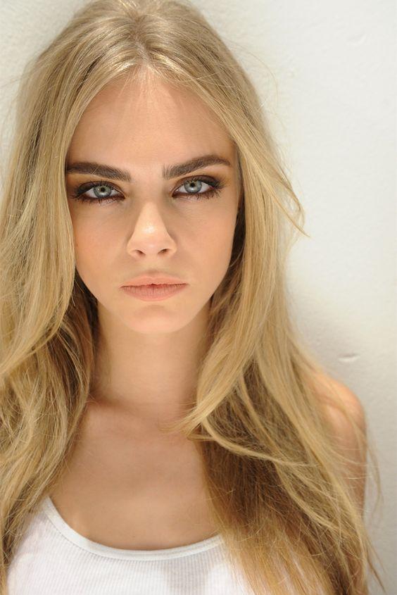 5 Trucuri De Machiaj Pentru Femeile Cu Păr Blond Frumuseţe