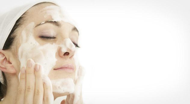 wash your face 5 lucruri pe care trebuie să le faci înainte de machiaj (5)