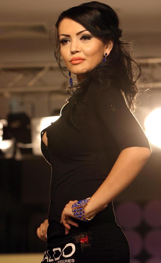 Andreea Mantea Nude Photos 75