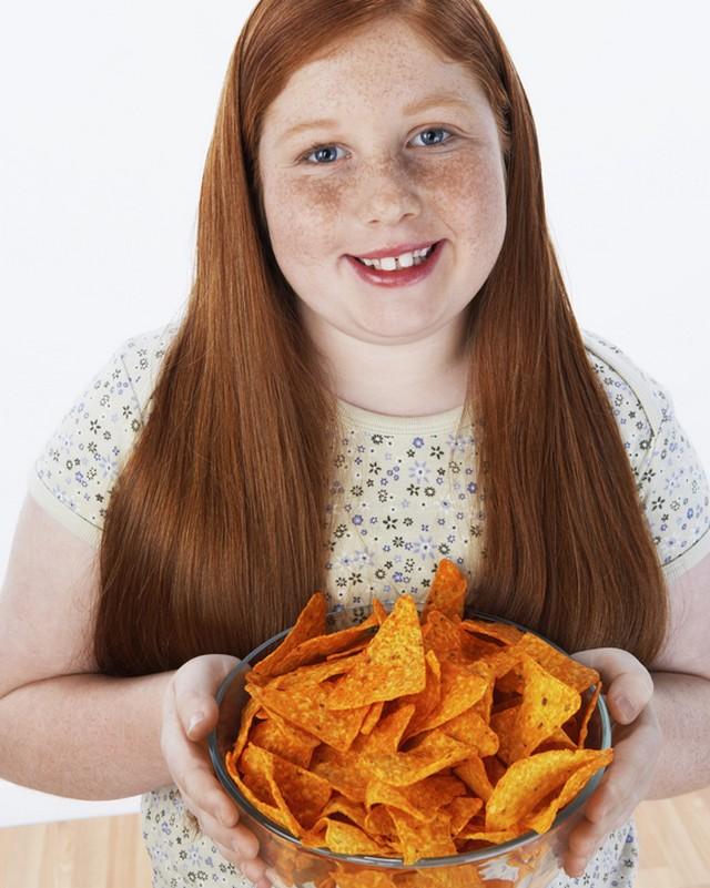 5 factori principali care favorizeaza obezitatea la copii