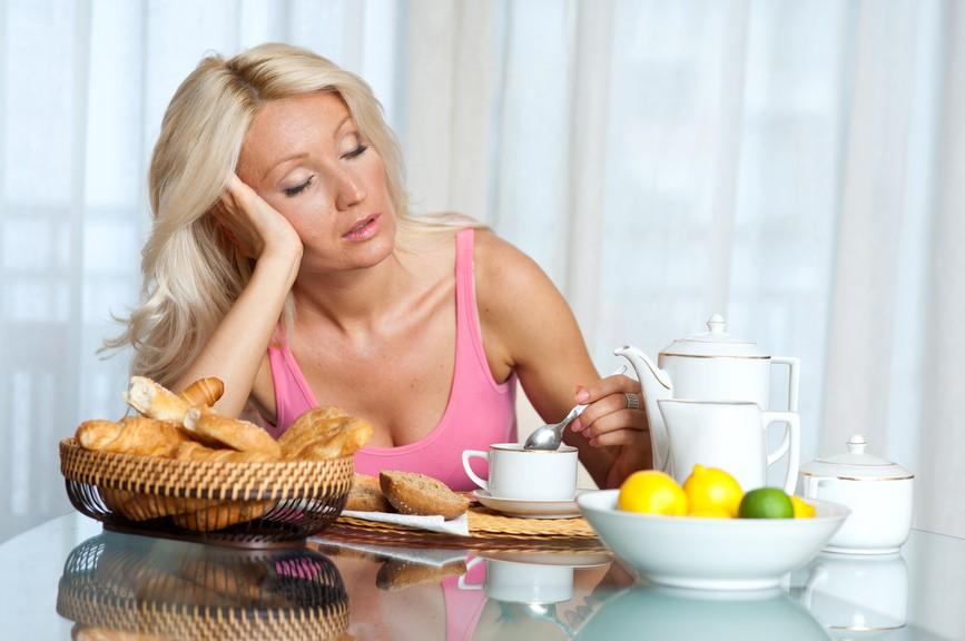 Micul dejun: 5 obiceiuri gresite care-ti distrug ziua