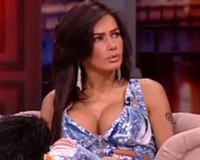FOTO. Ţinutele vulgare ale Oanei Zăvoranu. De ce se îmbracă aşa în ultimul timp?
