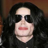 Michael Jackson a scapat din nou