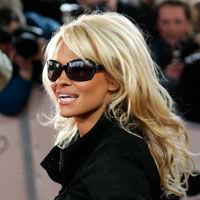 Pamela Anderson, in razboi cu KFC
