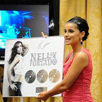 Nelly Furtado, rasplatita cu Triplu Disc de Platina la Bucuresti