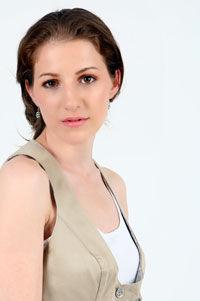 Dana Nalbaru le va supune la un test greu pe shopaholicele de la J Adore TV