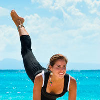 Mentine-te in forma cu exercitii pe plaja