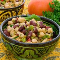 Salata cu fasole rosie si avocado