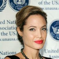 Angelina Jolie, cu bune si rele