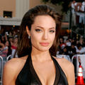 Angelina Jolie, fertilizare in vitro