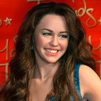 Miley Cyrus rupe tacerea