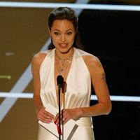 Angelina Jolie petrece