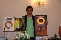 Juanes, disc de platina si disc de aur