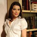 Simona Simionescu - dincolo de Comunicare sta pasiunea pentru actorie