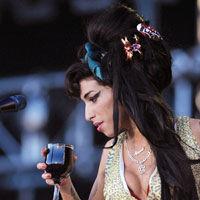 Amy Winehouse, pericol de sinucidere