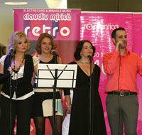 """Primul concert al lui Caludiu Mirica alaturi de """"Romantica Retro Girls"""" a avut succes"""
