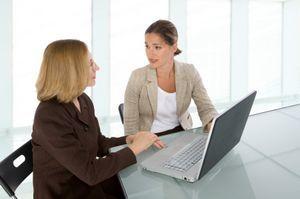 Cum poti ajuta un coleg stresat