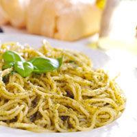 Spaghete cu trei feluri de branza