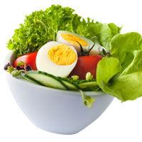Salata cu ou si avocado