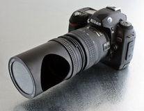 Obiectiv pentru fotografi timizi si fotografii autentice