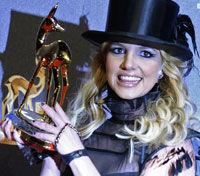 Britney fara unghii... roase