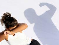 Criza financiara creste violenta conjugala?