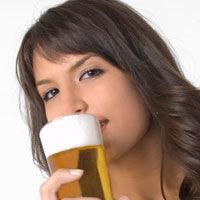 Consumul excesiv de alcool in timpul sarcinii afecteaza creierul copilului