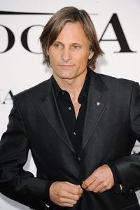 Viggo Mortensen va juca in