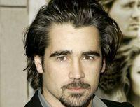 Colin Farrell, parasit de iubita