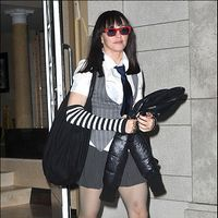 Madonna, inapoi la scoala