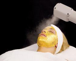 Tratament facial cu aur de 24 de Karate, de la Umo
