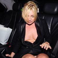 Kate Moss, cu sanii la vedere