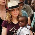 Madonna vrea sa adopte un alt copil din Malawi