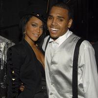 Rihanna si Chris s-au filmat facand sex