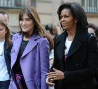Michelle Obama i-a daruit o chitara Carlei Bruni