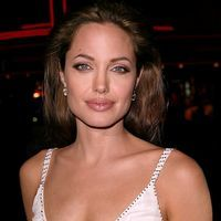 Angelina Jolie nu a lesinat in timpul filmarilor