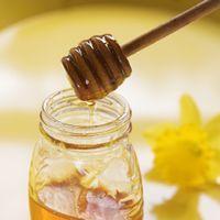 Albinele detin secretele frumusetii!