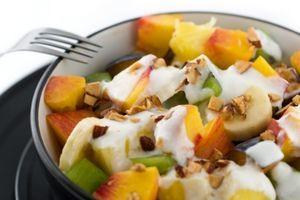 Desert cu mere, struguri si sos de ananas