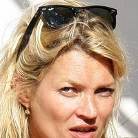 Tigarile si alcoolul au imbatranit-o pe Kate Moss