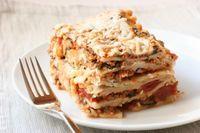 Lasagna cu carne si sos alb