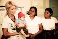 Paris Hilton, pe urmele Angelinei Jolie