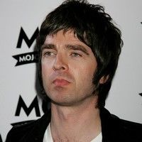 Noel Gallagher a parasit Oasis