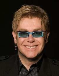 Elton John vrea sa devina tata