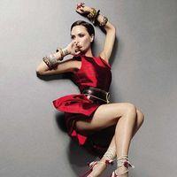 Victoria Beckham da tonul in materie de rochii
