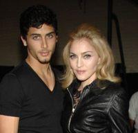 Madonna ii cumpara lui Jesus un apartament de 1.7 milioane de lire