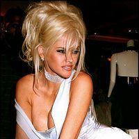 Imagini cu Anna Nicole Smith drogata in timpul sarcinii