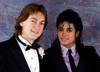 John Branca si John McClain, executorii averii lui Michael Jackson